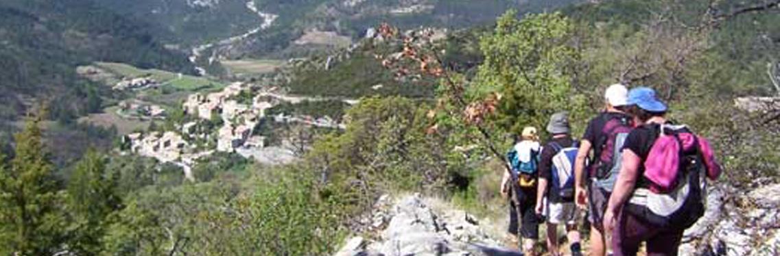 Walking trails and hiking : FFRandonnée and France-randos